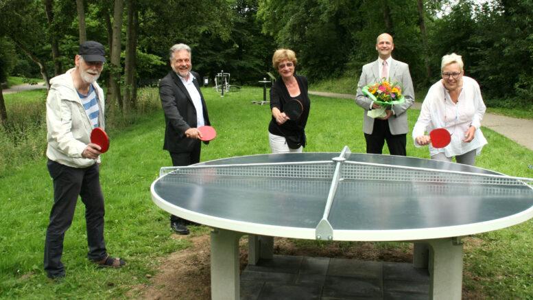 Einweihung der Tischtennisplatte im Combergpark