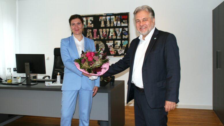 Bürgermeister EVK-Geschäftsführerin Jessica Llerandi Pulido