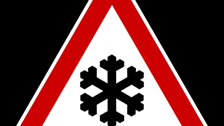 Schild: Achtung Schnee