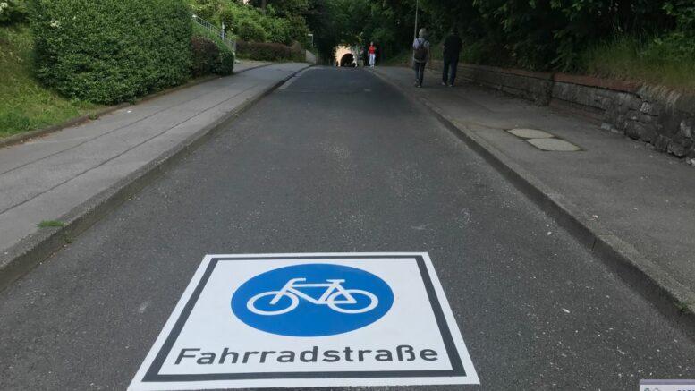 Fahrradstraßen-Piktogramm